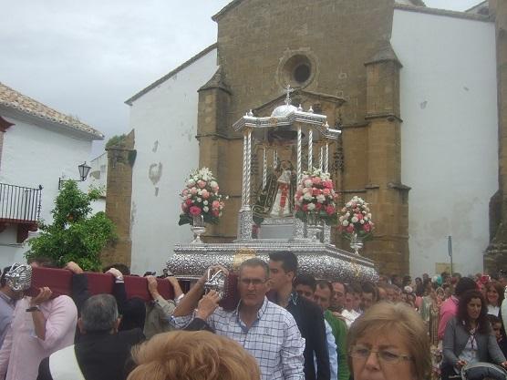 La Morenita desfiló por las calles de Lopera.