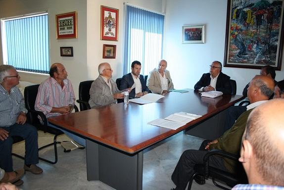 Integrantes de la Mesa de las Inundaciones, ayer en la reunión.