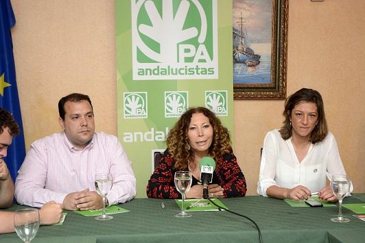 Antonio Jesús Rodríguez, Pilar Távora y Encarna Camacho.