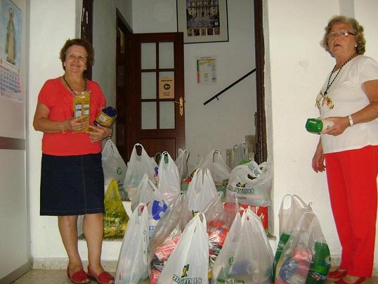 Una muestra de los alimentos recogidos por la Cofradía de la Vera Cruz.