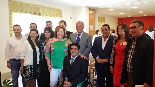"""La delegada de Políticas Sociales, Ángeles Jiménez, en el centro especializado """"Virgen de la Cabeza"""" de Andújar."""