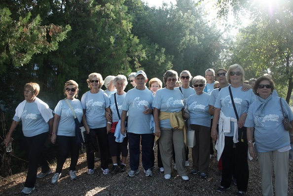 Un grupo de mayores de Andújar en la Marcha por la Salud.