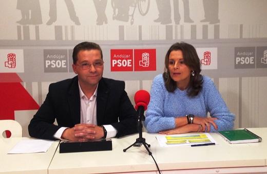 Francisco Huertas y Ana Cobo durante su comparecencia  pública.