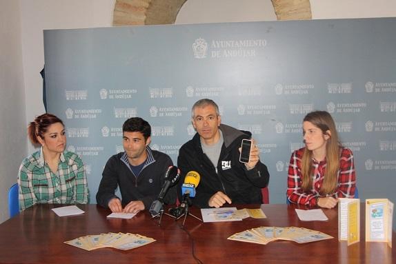 El concejal de Juventud, Pedro Alcántara, ha presentado su plan de educación tecnológica.