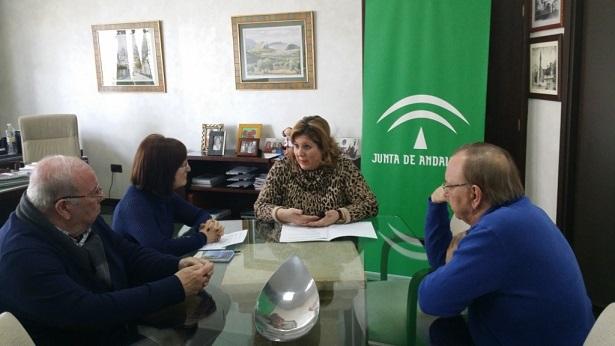 Reunión de Ángeles Jiménez con Afemac de Andújar y comarca.