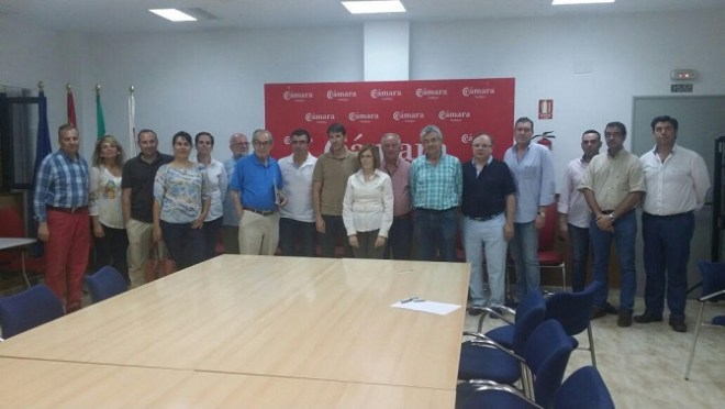 Una imagen de la 'Comisión de Comercio' en donde se integra a representantes de todas las zonas comerciales de Andújar.
