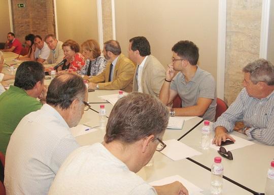 Reunión del Consejo Provincial del Aceite de Oliva, en Jaén.