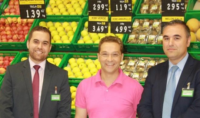 El alcalde de Andújar, Paco Huertas, en un momento de su visita a Mercadona.