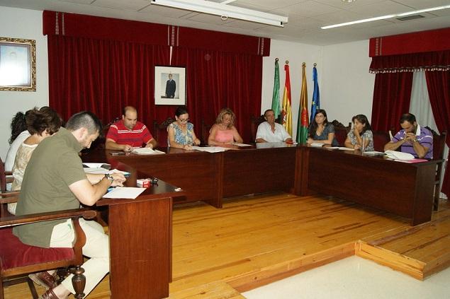 Un momento del pleno municipal celebrado por el Ayuntamiento de Lopera.