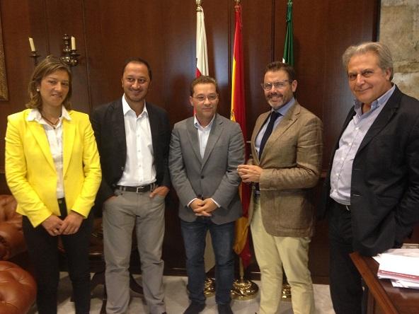 El alcalde de Andújar, Paco Huertas,  junto a Alfonso Rodríguez Gómez de Celis, Rafael Valdivielso y Encarna Camacho.
