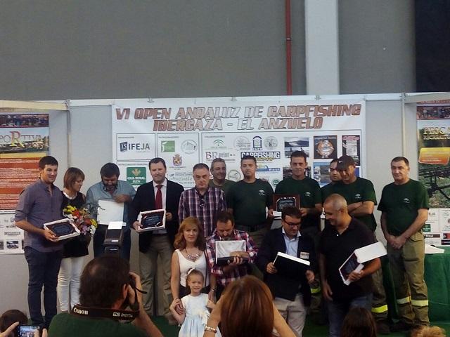 La Asociación Medioambiental de Pescadores Sierra de Andújar ha entregado distinciones a instituciones y entidades.