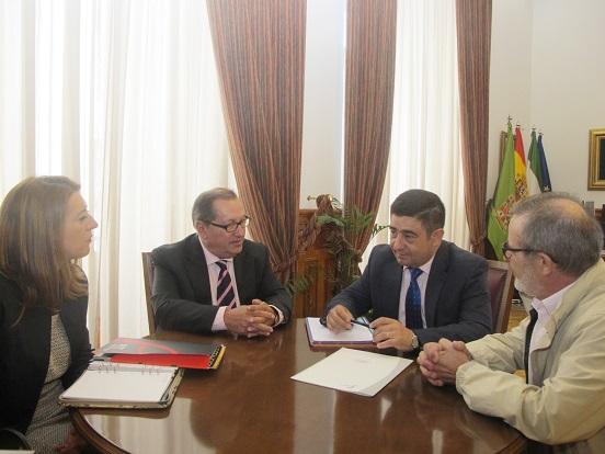 Francisco Reyes se ha reunido con el presidente nacional de la Asociación de Representantes Técnicos de Espectáculos (ARTE), Emilio Santamaría.