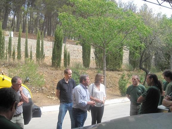 La delegada del Gobierno Andaluz, Ana Cobo, durante su visita a este centro.