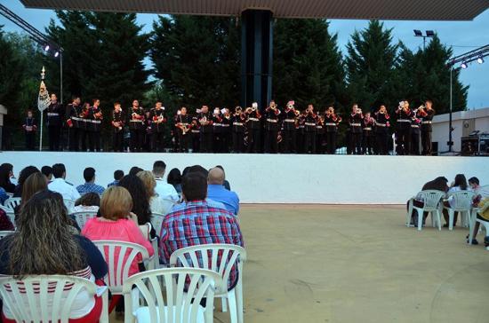 Una de las actuaciones del II Certamen de Bandas de Cornetas y Tambores de Villanueva de la Reina.