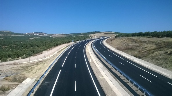 Una carretera en la provincia de Jaén. Foto: Junta de Andalucía.