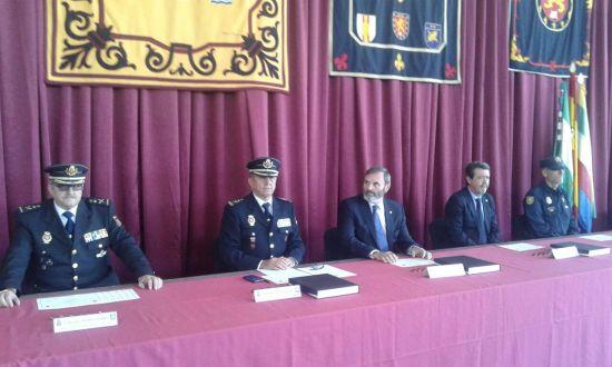 El subdelegado del Gobierno, Juan Lillo, ha presidido el acto de entrega de las acreditaciones.