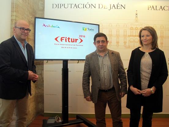 Manuel Fernández, Francisco Reyes y Ana Cobo, antes de presentar las propuestas turísticas que la provincia de Jaén mostrará en Fitur 2016.
