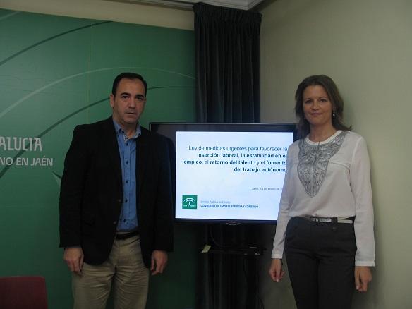 La delegada del Gobierno, Ana Cobo, ha presentado hoy en rueda de prensa esta Ley, acompañada del delegado territorial de Economía, Innovación, Ciencia y Empleo, Antonio de la Torre,