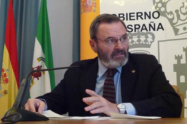 El subdelegado del Gobierno en Jaén, Juan Lillo, en rueda de prensa.