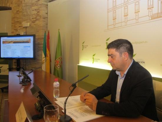 Francisco Reyes presenta el portal de Memoria Histórica realizado por la Diputación.
