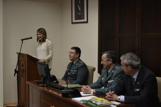 La delegada del Gobierno, Ana Cobo, , acompañada del jefe del servicio de Juego y Espectáculos Públicos, José Luis Rodríguez, y junto al Jefe de la Comandancia de la Guardia Civil, Luis Ortega.