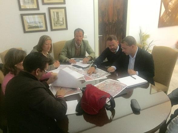 El delegado de territorial, Rafael Valdivielso, se ha reunido hoy con el alcalde de Andújar, Francisco Huertas.