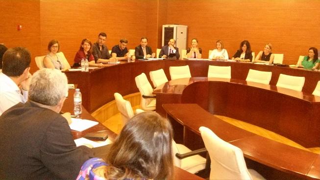 El delegado territorial de Economía, Innovación, Ciencia y Empleo, Antonio de la Torre, en la reunión de la Mesa Provincial del Emprendimiento.