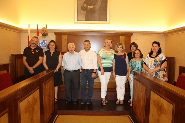 El acuerdo se rubricó en el salón de plenos del Ayuntamiento de Andújar.