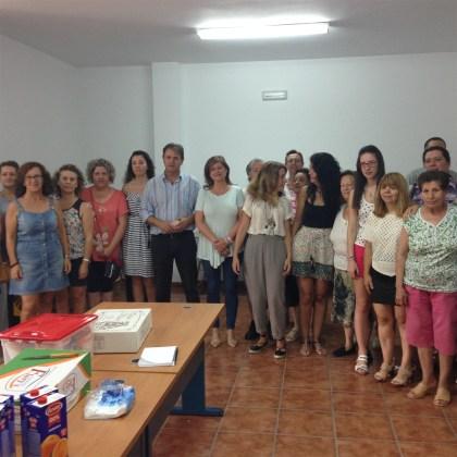 La diputada de Igualdad y Bienestar Social, María Eugenia Valdivielso, y el alcalde Blas Alves clausuraron este taller.