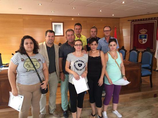 Pedro Bruno, segundo por la izquierda, junto a Florencio José Morales y participantes en este curso.