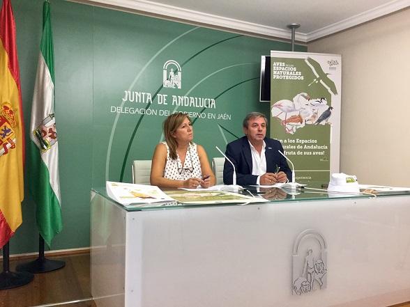 Juan Eugenio Ortega y Pilar Salazar presentaron estas actividades.