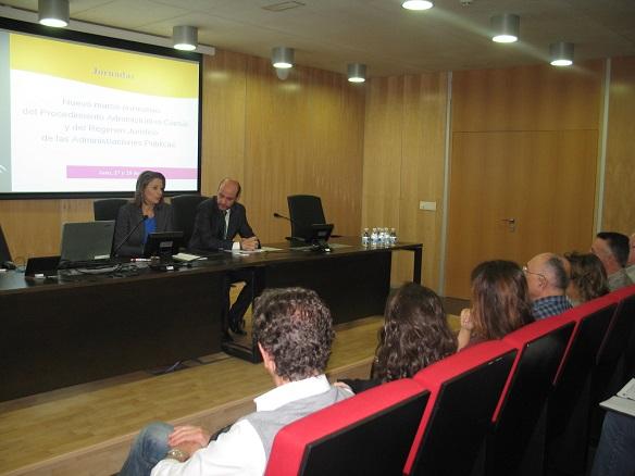 La delegada del Gobierno en Jaen, Ana Cobo, inauguró esta jornada informativa.