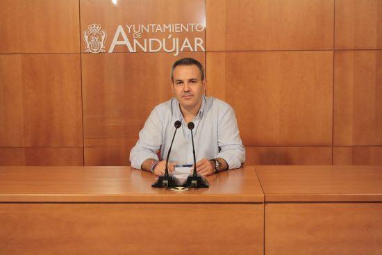 El concejal de Presidencia del Ayuntamiento de Andújar, Jesús del Moral, en rueda de prensa.