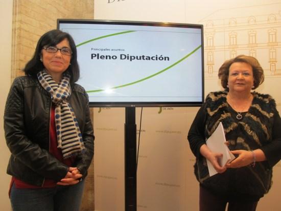 Francisca Medina y Pilar Parra, antes de su comparecencia.