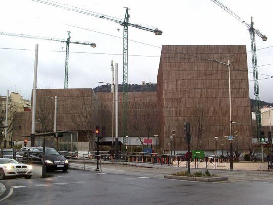 Fachada principal del nuevo Museo de Arte Ibero, en el Paseo de la Estación de Jaén. Foto: Kordas.