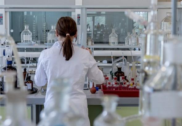 mujeres en la investigación