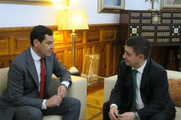 Juanma Moreno y Francisco Reyes