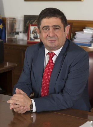 Francisco Reyes