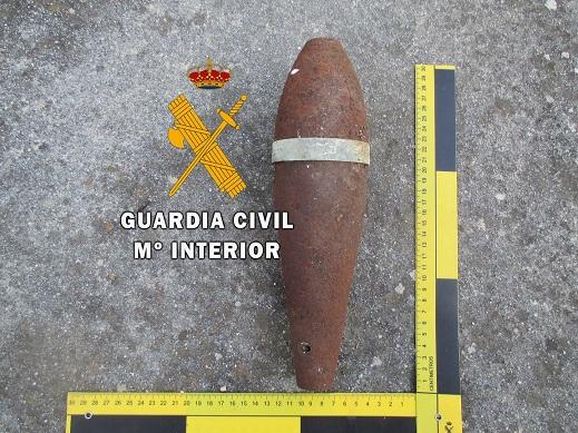 La Guardia Civil ha desactivado una granada para mortero en Alcalá la Real (Jaén).