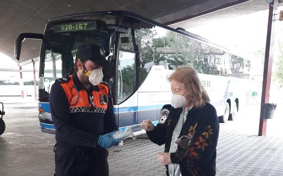 La subdelegada agradece la colaboración de los voluntarios, los ayuntamientos, la Diputación Provincial y las entidades sociales en la distribución de 192.000 mascarillas.