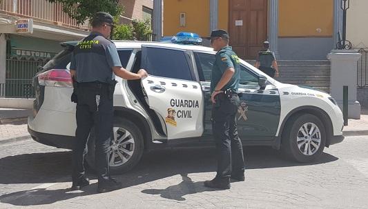 La Guardia Civil ha detenido a una persona como presunta autora de varios Delitos de Robo y Hurto.