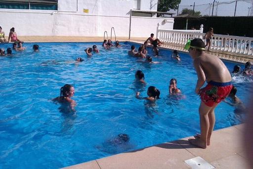 Sanidad publica un protocolo para la preparación de las piscinas frente al Covid-19.