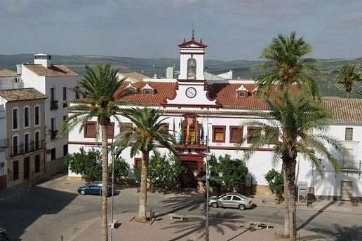 El Ayuntamiento lamenta que la Junta haya dejado fuera a Lopera en el programa de subvenciones para el arreglo del Paseo de Colón y el jardín municipal.