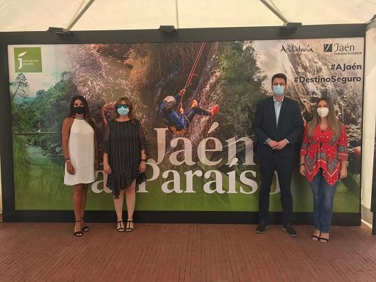 """El destino """"Jaén, paraíso interior"""" continúa su promoción andaluza en la Plaza de la Marina de Málaga."""