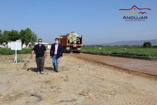 Comienza el arreglo del camino De la Vega y otro camino ubicado en el Sotillo con una inversión de más de 13.000 euros.