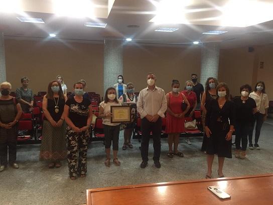 Sanitarios agradecen a mujeres de Guarromán su lucha frente al Covid-19.