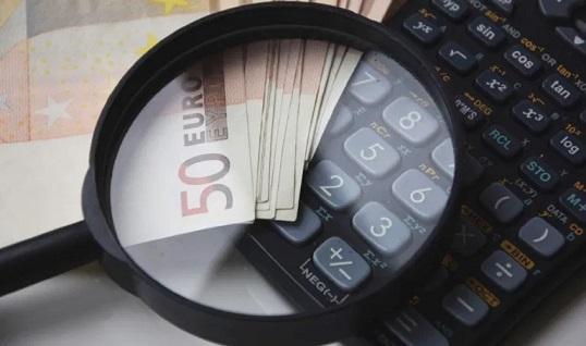 La economía andaluza cae un 16,9% en el segundo trimestre, 1,6 puntos menos que la media nacional.