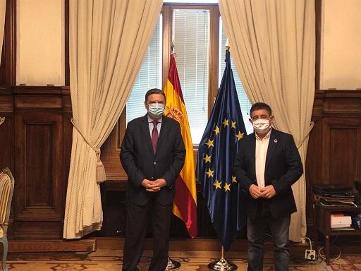 El presidente de la Diputación de Jaén aborda con el ministro de Agricultura el reparto de los fondos de la PAC.