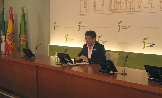 Francisco Reyes exige a la Junta discriminación positiva hacia Jaén en el reparto de los fondos del plan 'Andalucía en Marcha'.