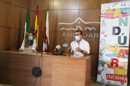 """El Ayuntamiento de Andújar comienza el dispositivo para una """"vuelta a las aulas"""" que garantice la seguridad del alumnado y equipos docentes."""